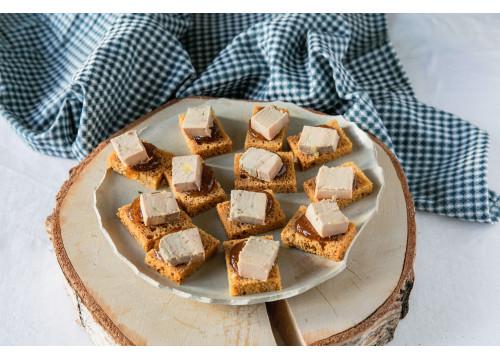 Foie gras maison sur toast  x 16 pièces